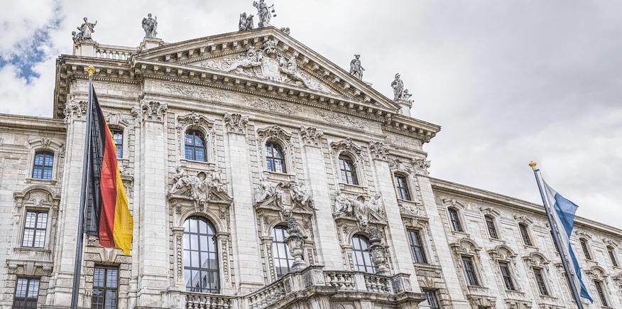 Foto eines großen Bürogebäudes