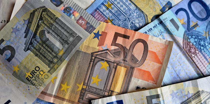 Symboldbild: zahlreiche Geldscheine